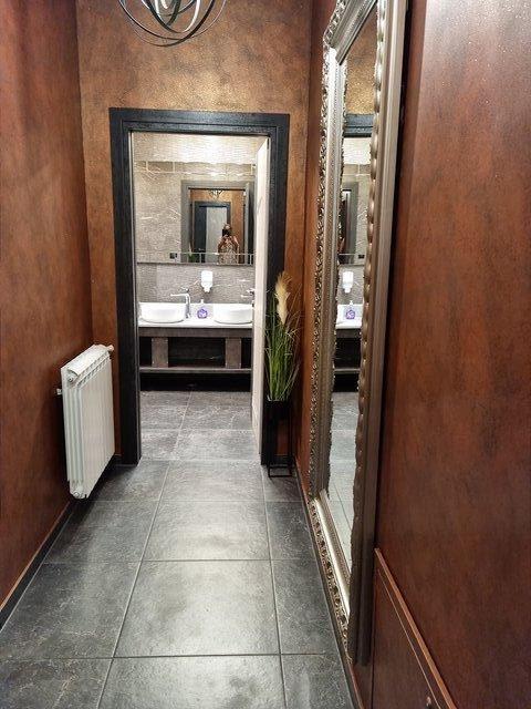 Damen-WC, Restaurant